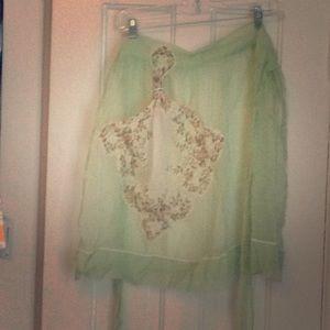 Vintage apron with handkerchief pocket